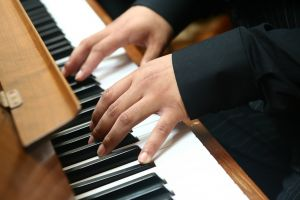 playing_piano